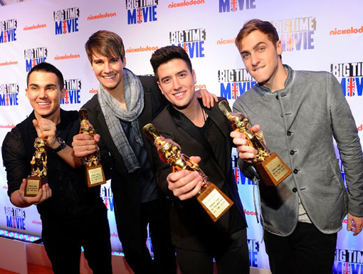 And the Award Goes To...|Not only did BTR arrive to celebrate the premiere of Big Time Movie, but they received golden awards for their awesome achievements as a band.
