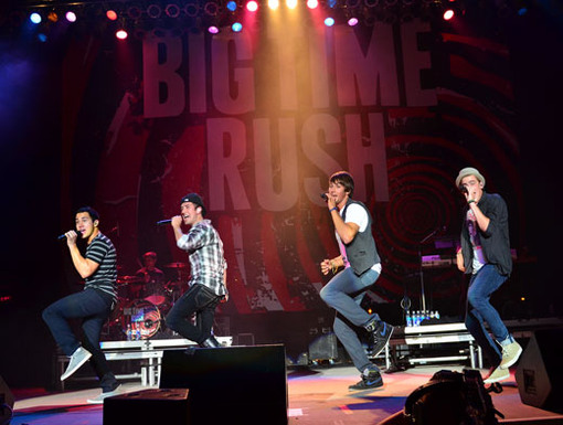 Turn Up the Tempo And it's time to dance! When the boys started steppin' to the beat, the crowd went totally wild!