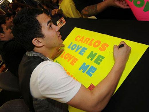 We Heart Carlos