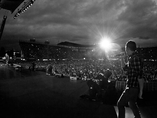 Magical Moment|When Carlos took the mic, it was a picture pefect moment...Literally!