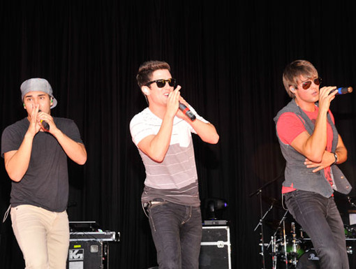 Perfect Pipes|When BTR belts out their best on stage, it's like music to our ears. Literally!