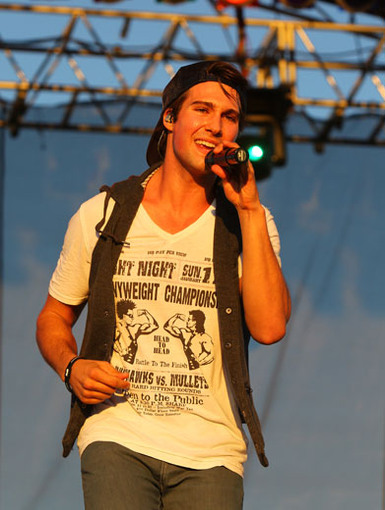 Works Like A Charm|James Maslow is so charming, he's got all the fans under his spell with just one tune.