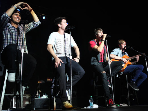 Heart-to-Heart|We know all the BTR lyrics by heart, and Carlos knows it!