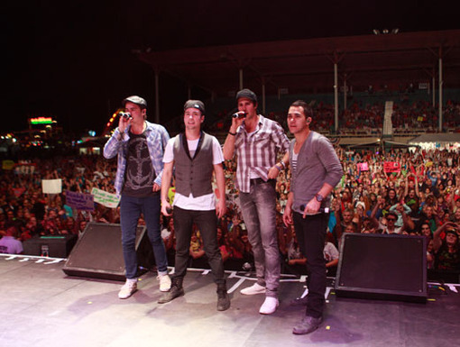 We've Got Your Back|No matter what happens, we'll always stand behind BTR. And so will this humungo crowd of fans from Vermont!