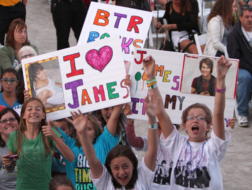 Fan-tabulous|Doesn't BTR have the best fans? The crowd went wild when the boys took to the stage at the Erie County Fair.