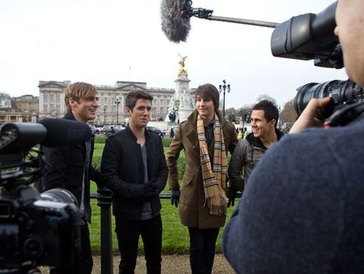 A Royal Rush|The boys of Big Time Rush goof around while filming in front of Buckingham palace.