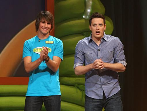 Brain Gain|Surge-ing superstar James Maslow uses his brain for gain and avoids the drain while competing in this raucous round of celebrity BrainSurge.