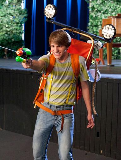 Ready, Aim, Fire!|Fred can take on any evil monster with this ghost-busting back pack!