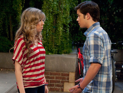 Serious Seddie|OMG! Don't you just love these super serial moments between Seddie? We can't wait to see what happens next between them!