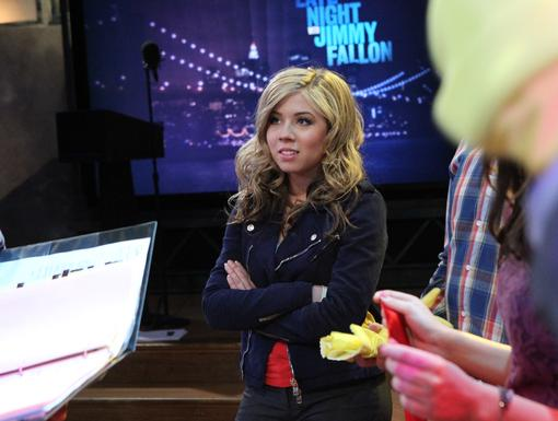 Waiting for the Show|Jennette looks excited for the show to start, we can't wait either!