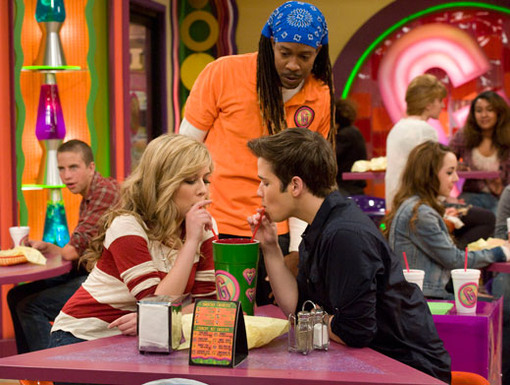 http://nick.mtvnimages.com/nick-assets/shows/images/icarly/flipbooks/icarly-idate-sam-and-freddie/icarly-idate-sam-and-freddie-14.jpg?height=385&width=510&matte=false&format=jpeg&quality=0.91