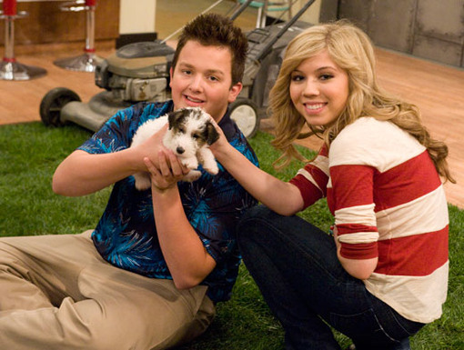 http://nick.mtvnimages.com/nick-assets/shows/images/icarly/flipbooks/icarly-idate-sam-and-freddie/icarly-idate-sam-and-freddie-16.jpg?height=385&width=510&matte=false&format=jpeg&quality=0.91