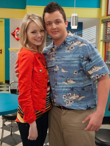 Emma and Noah|Emma's character creeps out the iCarly crew, but she gets along swimmingly with the cast in reality!