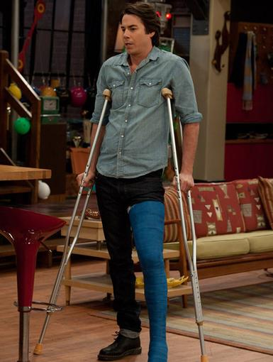 Fashionable Fall|Spencer may be on crutches, but at least he's making a fashion statement with his cast.
