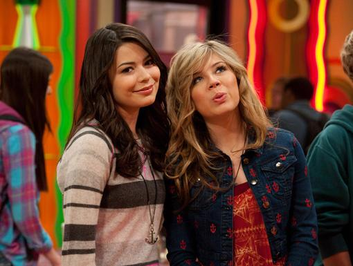 Anchors Away!|The iCarly gals make a pretty pose with their matching anchors!
