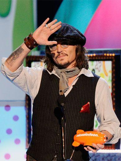 johnny depp kids choice awards 2011. Johnny Depp politely thanks