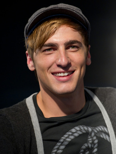 Kendall Schmidt|Ohhh Kendall Schmidt, don't give us that look, this Rush is already more than we can take!