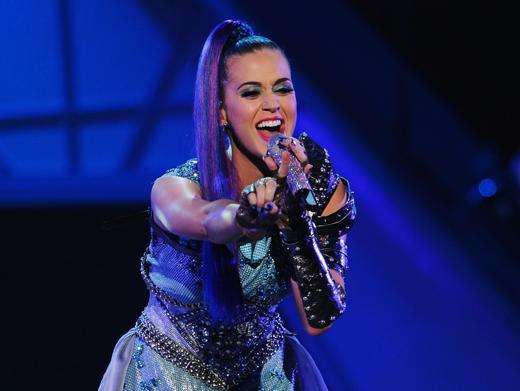 KCA 2012: Katy Perry Sings It Loud