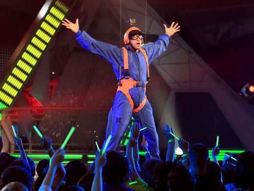 KCA 2012: Parachuting Prince