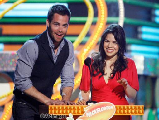 Chris Pine and America Ferrera