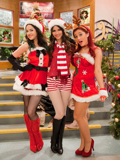 HOLLYwood Arts|The gals of Victorious are getting transformed into festive fashionistas this holiday season.
