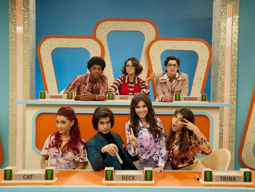 Retro|Tori and her friends singlehandedly made polyester stylish on Sinjin's gameshow!