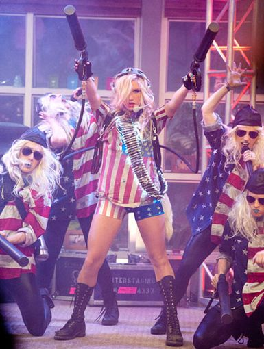 Glitter Guns|Ke$ha makes sure to go out with a bang while performing her monster mega hit,