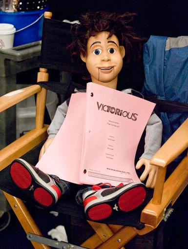 WOODn't Cha Know?|Rex takes some R&R time backstage to sit down and go over some lines -- after all, this is one puppet that always has alot to say!