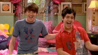 Drake & Josh | Makes Me Happy | Season 1 | Ep. 2 | Video Clip | TeenNick