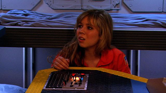http://nick.mtvnimages.com/nick-assets/video/images/icarly/ispace-out-clip-2.jpg