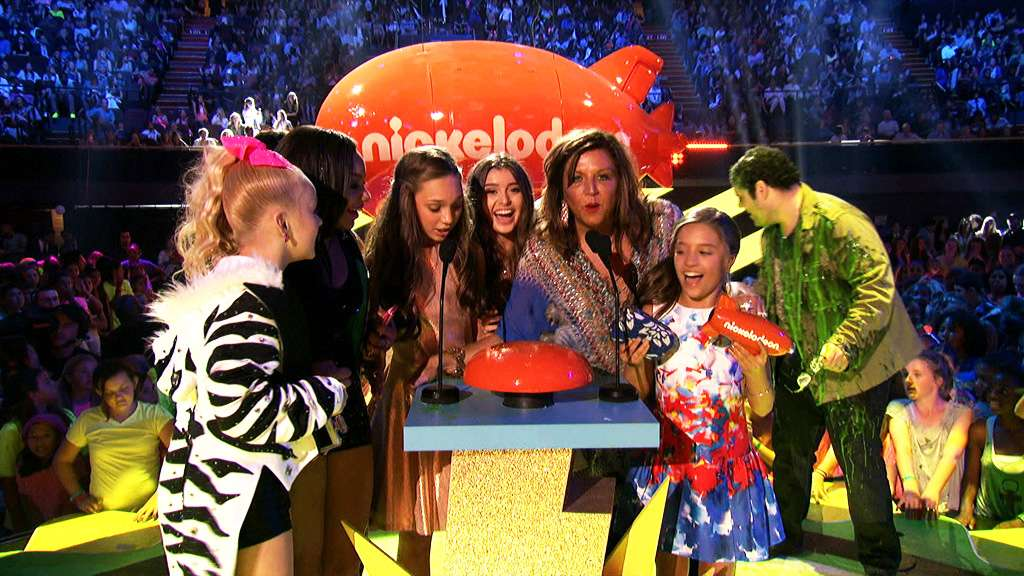 Kids choice awards 2015 dance moms wins favorite reality show ccuart Gallery