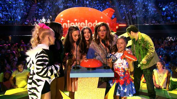 "Kids' Choice Awards 2015: ""Dance Moms Wins Favorite Reality Show!"""