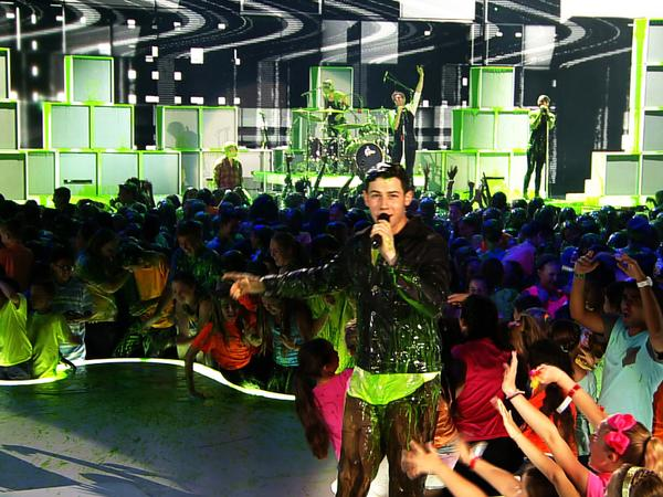"Kids' Choice Awards 2015: ""Nick Jonas Says Goodnight!"""