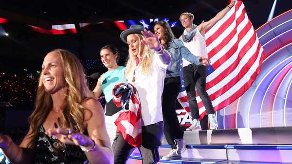 "Kids' Choice Sports 2015: ""USWNT Arrives!"""