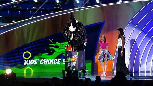 "Kids' Choice Sports 2015: ""Dance and T-Shirt Party!"""