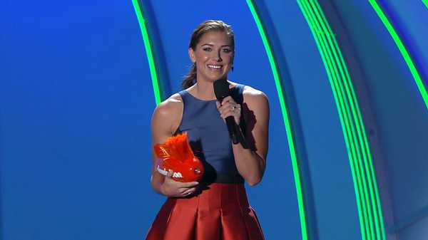 "Kids' Choice Sports 2015: ""Alex Morgan Wins Best Female Athlete!"""