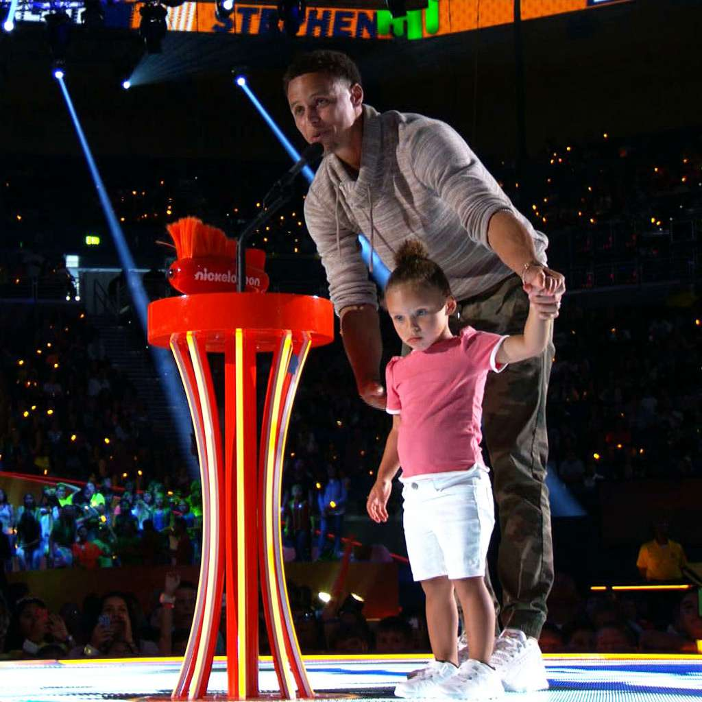 """Kids' Choice Sports 2015: """"Stephen Curry Wins Best Male Athlete!"""""""