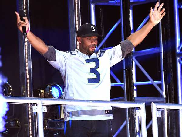 "Kids' Choice Sports 2016: ""Russell Wilson Welcomes You To Kids' Choice Sports 2016"""