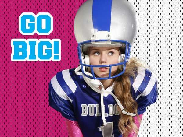 Bella and the Bulldogs: Everything's Bigger in Texas!