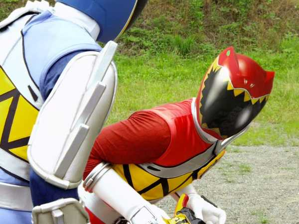 "Power Rangers Dino Super Charge: ""T-Rex Virus"""