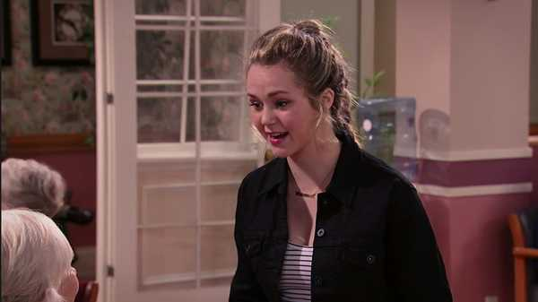 "Bella and the Bulldogs: ""Senior Pal"""
