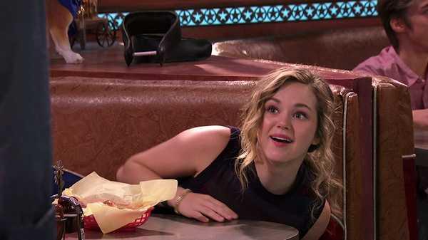 """Bella and the Bulldogs: """"Bella's Date"""""""