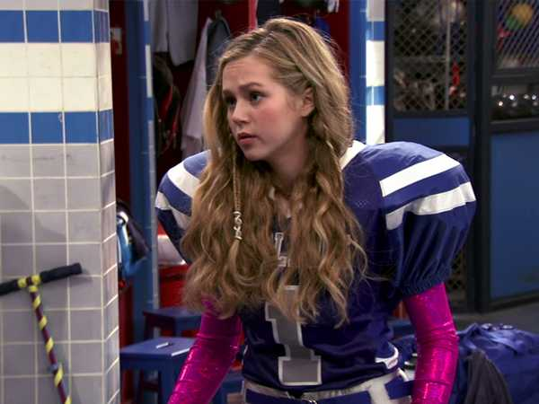 """Bella and the Bulldogs: """"Ballet and Football"""""""