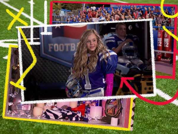 "Bella and the Bulldogs: ""Football Moments"""