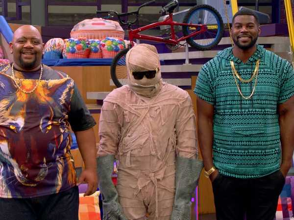 "Game Shakers: ""Dress Like A Mummy"""