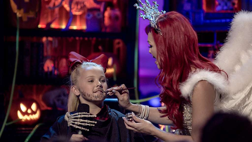 Rachel Platten Performs Fight Song at Nickelodeon's Ultimate ...