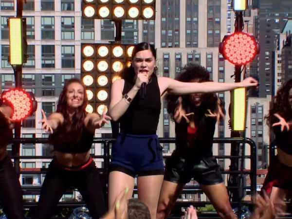 "The 2014 HALO Awards: Jessie J Performs ""Burnin' Up"""