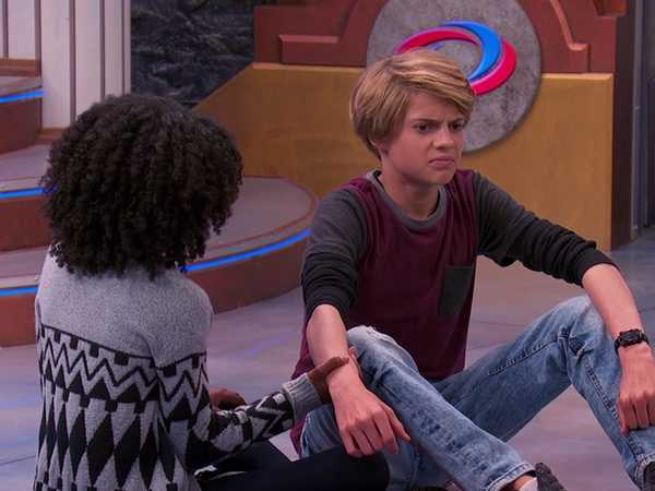 "Henry Danger: ""One Henry, Three Girls: Henry's Dilemma"""