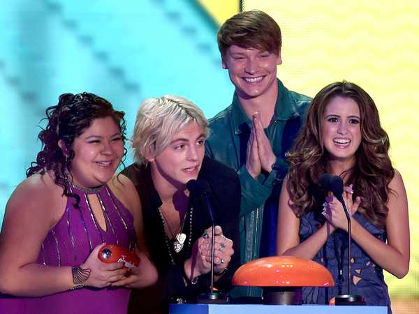 "Kids' Choice Awards 2015: ""Austin & Ally Win Favorite Kids' TV Show!"""