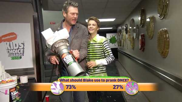 Kids' Choice Awards 2016: Blake and Jace Prank DNCE